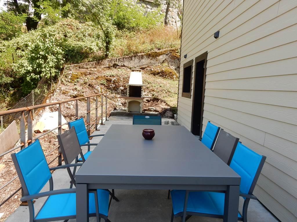 Terrasse avec barbecue