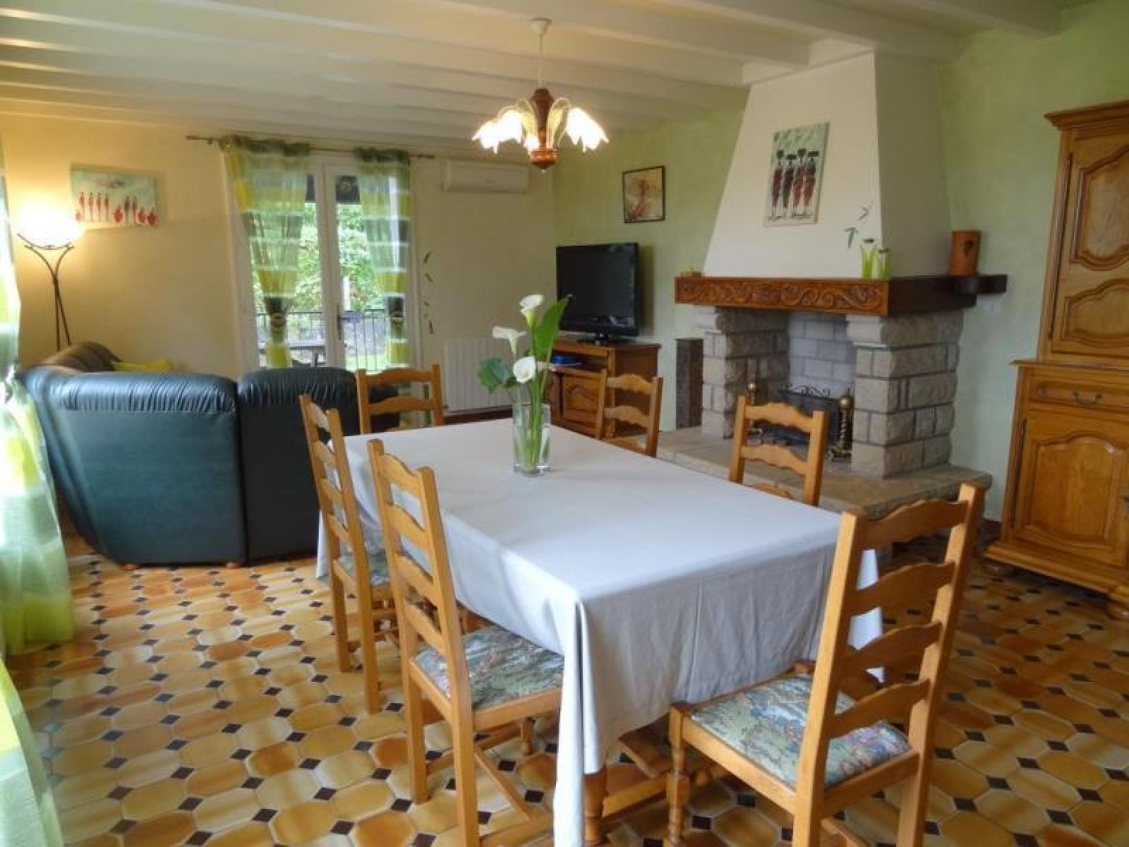 Appartement Elicagaray coin salle a manger - Bussunarits