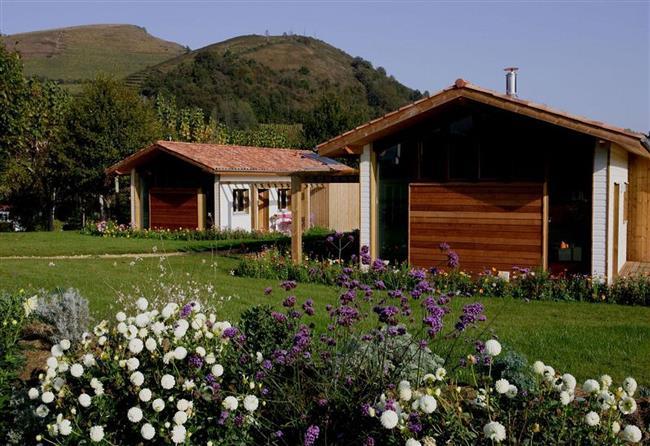 Camping-Narbaitz-eco-gite-facade-ascarat