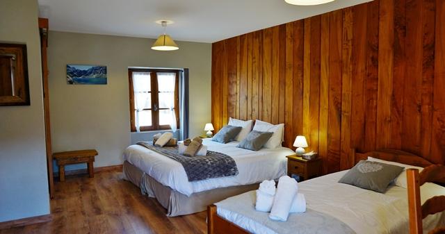 HPCH6 - Maison d'hôtes Les Isclots - Chambre Au lac d'Oô (2)