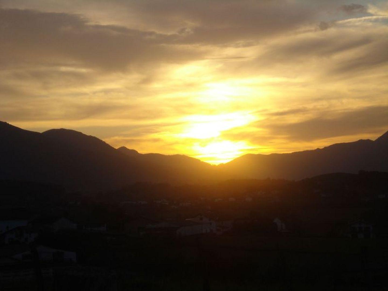 Location Maya-vue-coucher de soleil-st jean le vieux