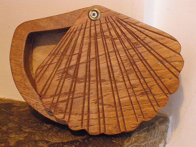 Sculptures sur bois Annie Alfaro Ospital - boîte à bijoux coquillages - Urepel