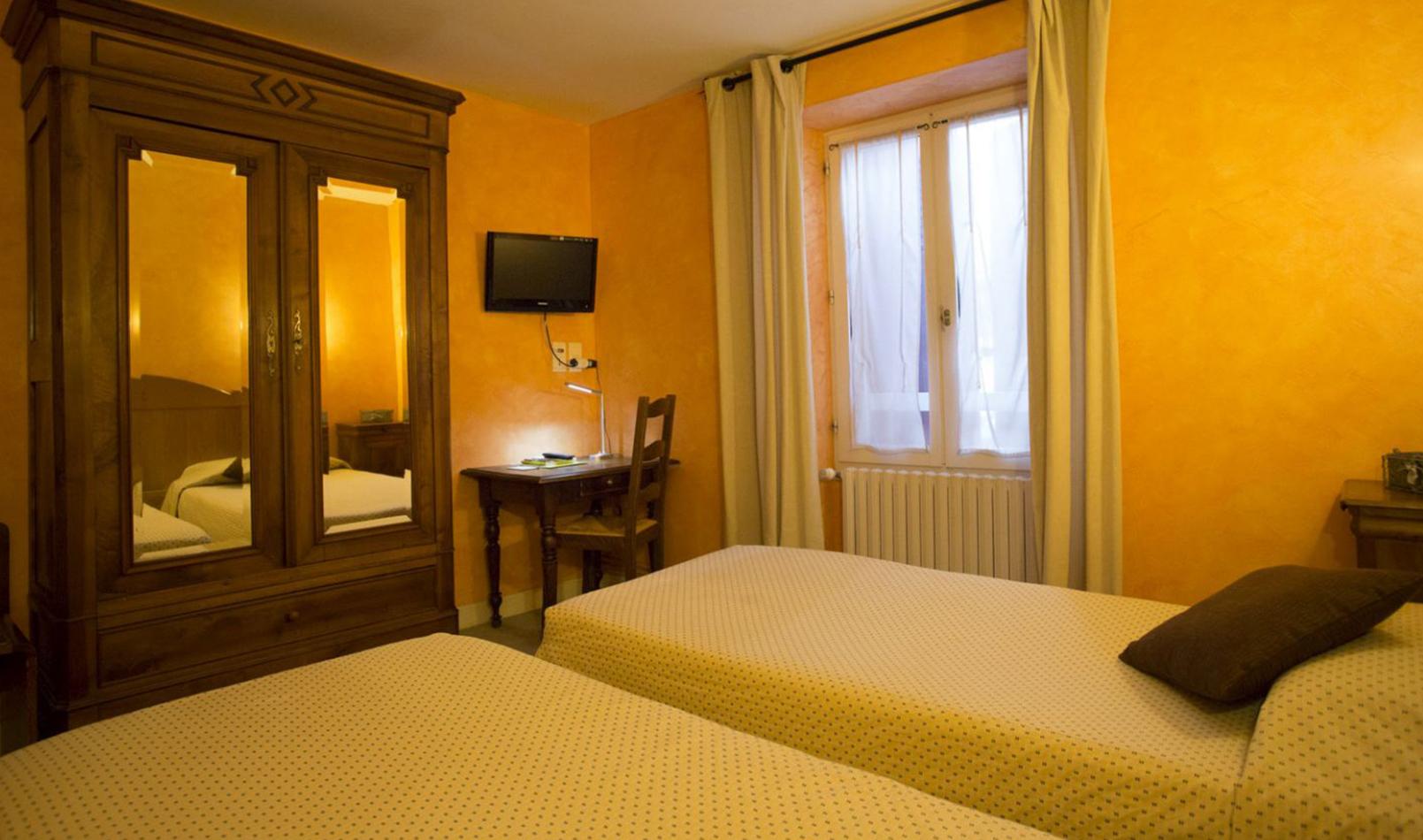 chambre-hotel-etchemaite