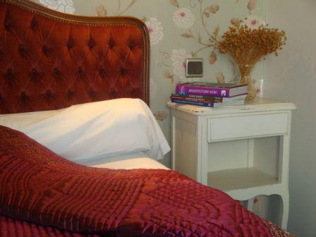 chambre1-hotellesrochers-saintsavin-hautespyrenees.jpg
