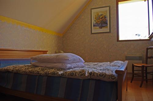 chambre3-blanc-argelesgazost-HautesPyrenees