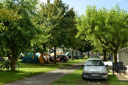 emplacement-campinglesfrenes-laubalagnas-HautesPyrenees
