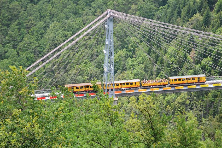 train_jaune_16_2010